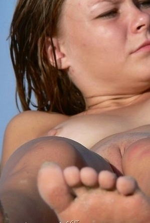 close up,on  beach,shaved pussies,