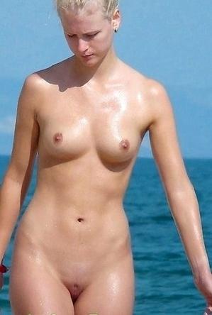 girls,nude,on  beach,pretty,