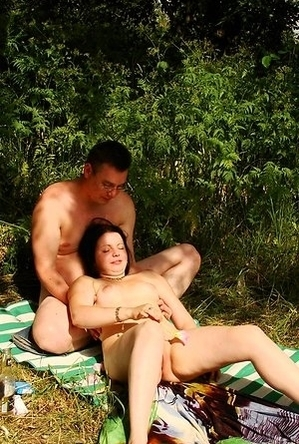 bbw pics,girls,naked girls,nude,nudist couple,on  beach,shaved pussies,