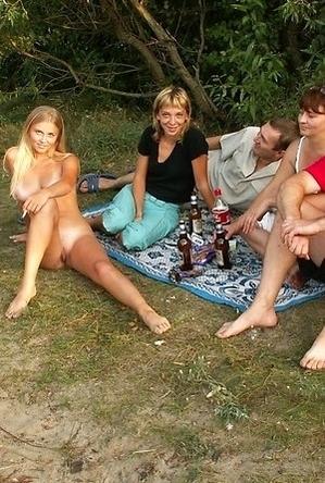 crazy nudist,girls,