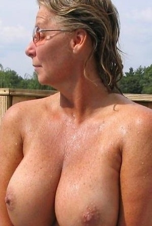busty nudists, crazy nudist, girls,