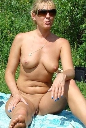 busty nudists,on  beach,pussy,shaved pussies,