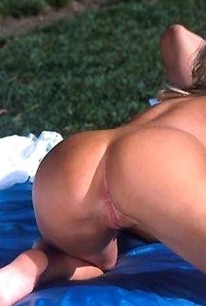 blowjob,huge cock,on  beach,sexual,sucking girls,