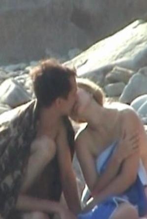 fuck on the beach,hidden camera,nude,nudist couple,on  beach,young girls,