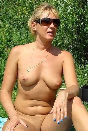 blonde women,busty nudists,mature nudists,nude,on  beach,sexy milf,swinger,