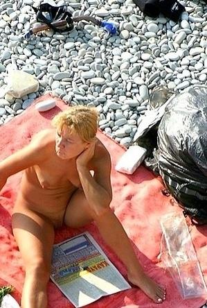 blonde women,hidden camera,nude,on  beach,