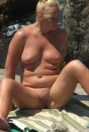 bbw pics,blonde women,busty nudists,fingering,mature nudists,nude,on  beach,sexy milf,shaved pussies,
