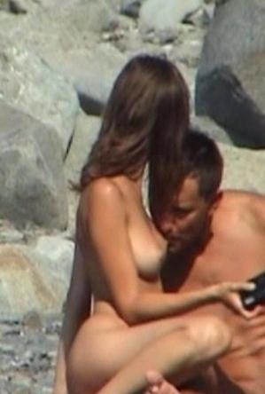 blowjob,horny girls,nude,on  beach,