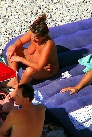 nude,on  beach,voyeurs,